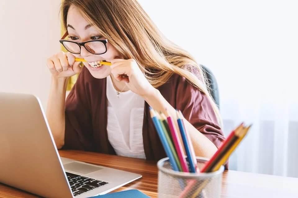 woman laptop application college